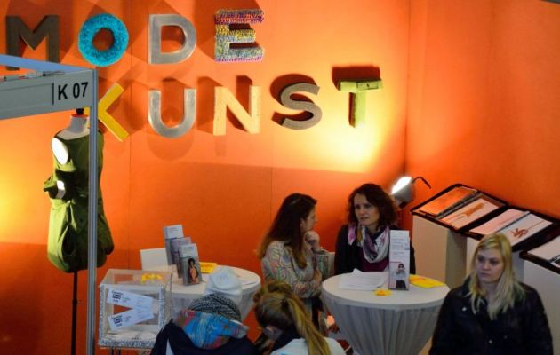 BeSt-Messestand Mode und Kunst